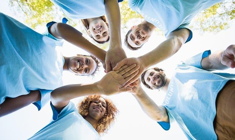 Astăzi este  Ziua Internaţională a Voluntarilor