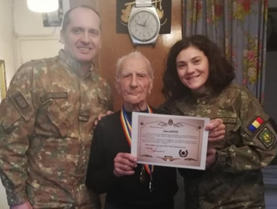 Veteranul de război Ioan Moisa a împlinit 97 de ani