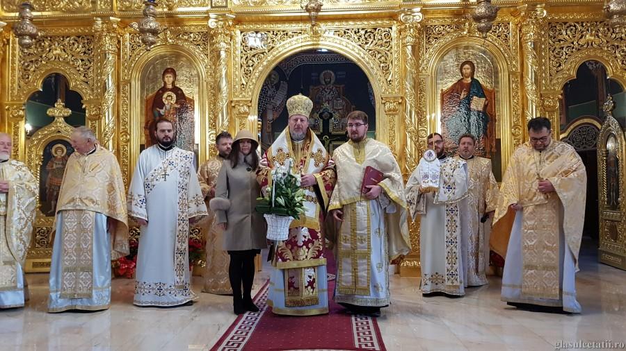Soborul Maicii Domnului, prăznuit la Catedrala Arhiepiscopală din Arad. Liturghie Arhierească și hirotonie întru preot