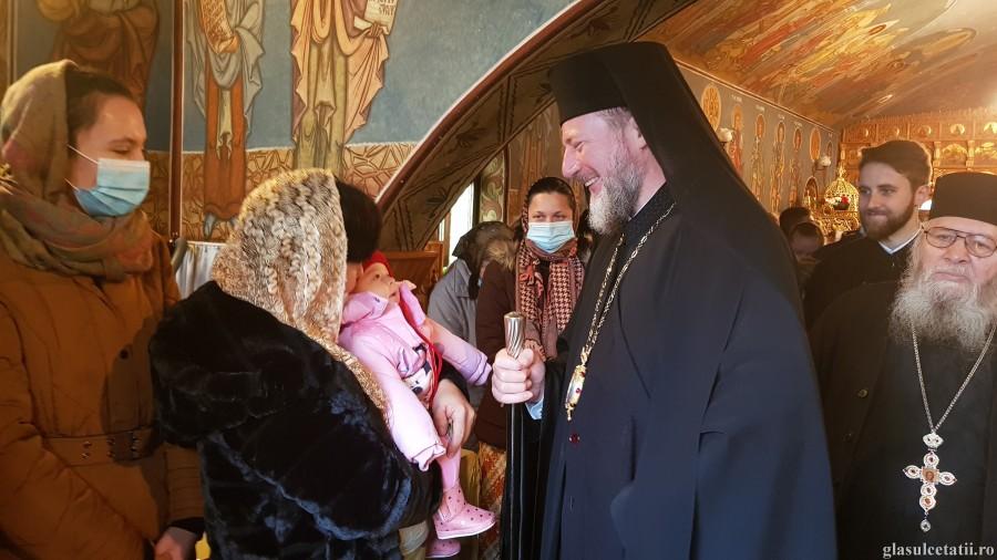 ÎN IMAGINI – A treia zi de Crăciun la Mănăstirea Feredeu