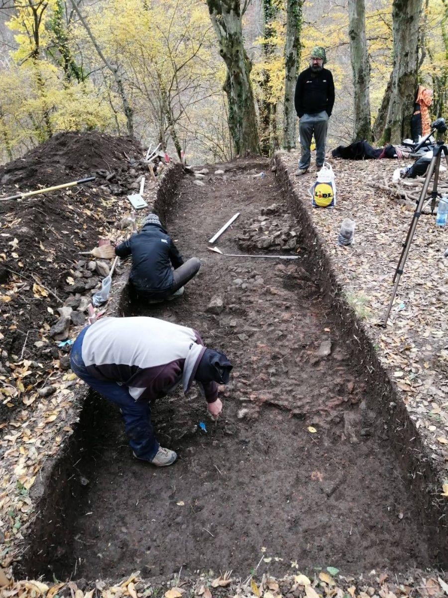 Relicve dacice, descoperite în zona Cetăţii medievale Jdioara
