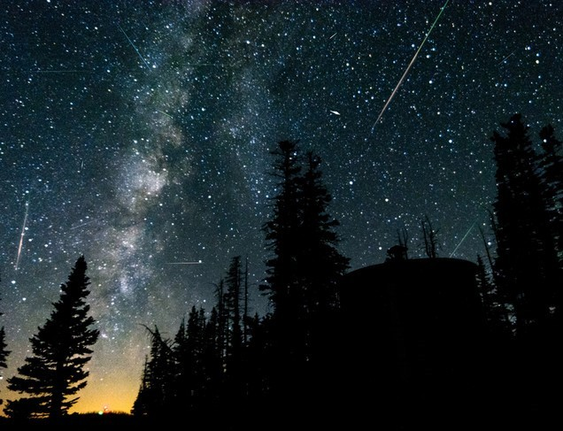 """Anul 2021 începe cu una dintre """"cele mai spectaculoase ploi de meteoriţi"""""""