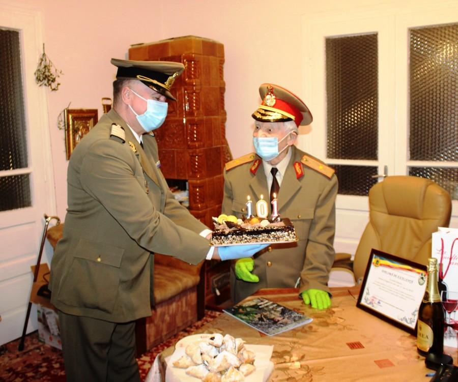 Veteranul de război Ioan M. Bota, sărbătorit la împlinirea vârstei de 101 ani