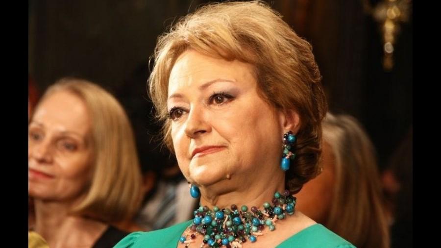 """In memoriam Luminița Constantinescu. De la fiu la mamă: """"Hai, mamă, că n-o să scrie pe cer!"""""""