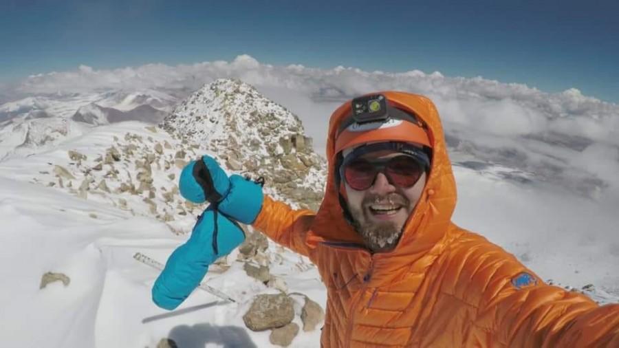 Un alpinist român a cucerit cel mai înalt vulcan din lume, Ojos del Salado (6.893 m)