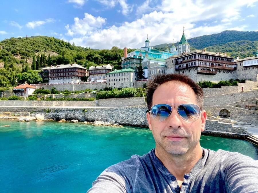 """Dan Negru: """"Fondatorul primelor spitale din lume e sărbătorit azi, în ziua în care se vorbește cel mai mult despre spitale în România"""""""
