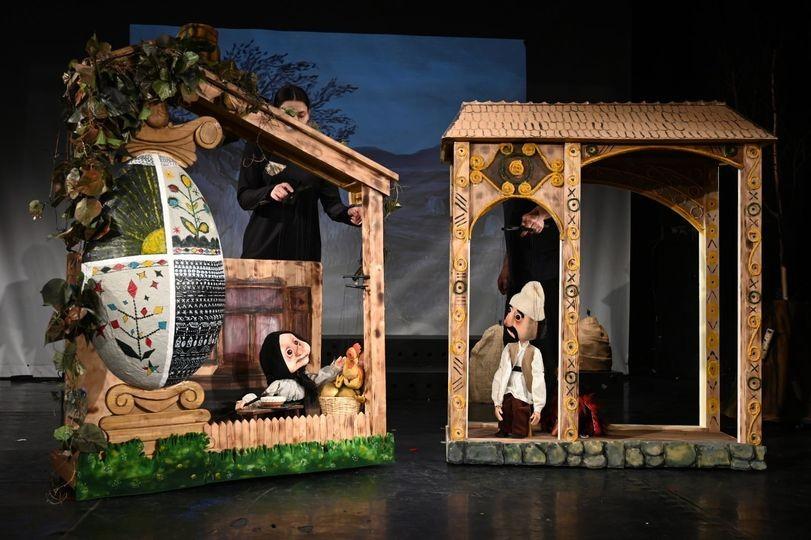 Cucurigu, boieri mari și... mici! Trupa Marionete vă poftește duminică, 31 ianuarie, la premieră!