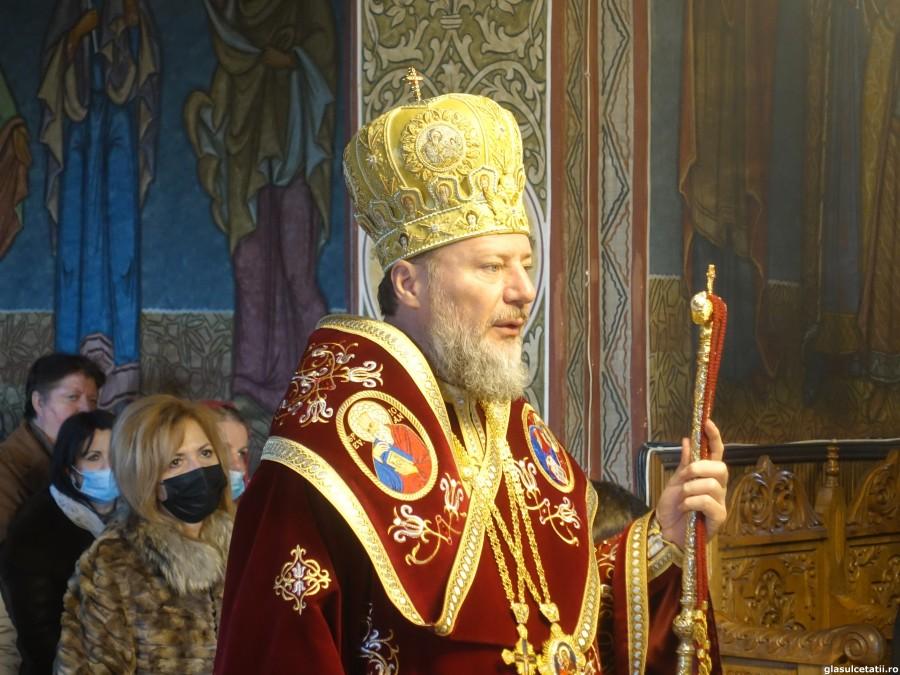 ÎN IMAGINI – Liturghie Arhierească la Mănăstirea Hodoș-Bodrog, la începutul Triodului