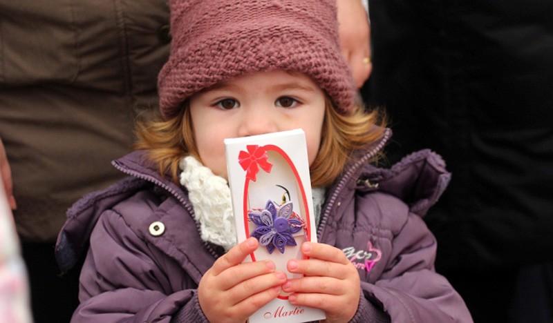 Mărțișoarele și florile vor fi permise de 1 și 8 martie la școală