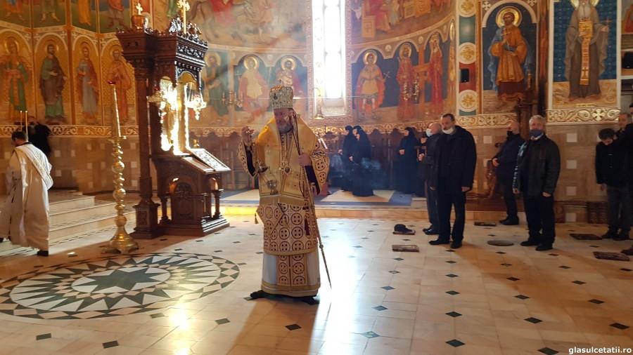 """(FOTO) PS Emilian Crișanul, la Mănăstirea Gai: """"Să ne întoarcem la Dumnezeu ori de câte ori rătăcim prin întunericul acestei lumi"""""""