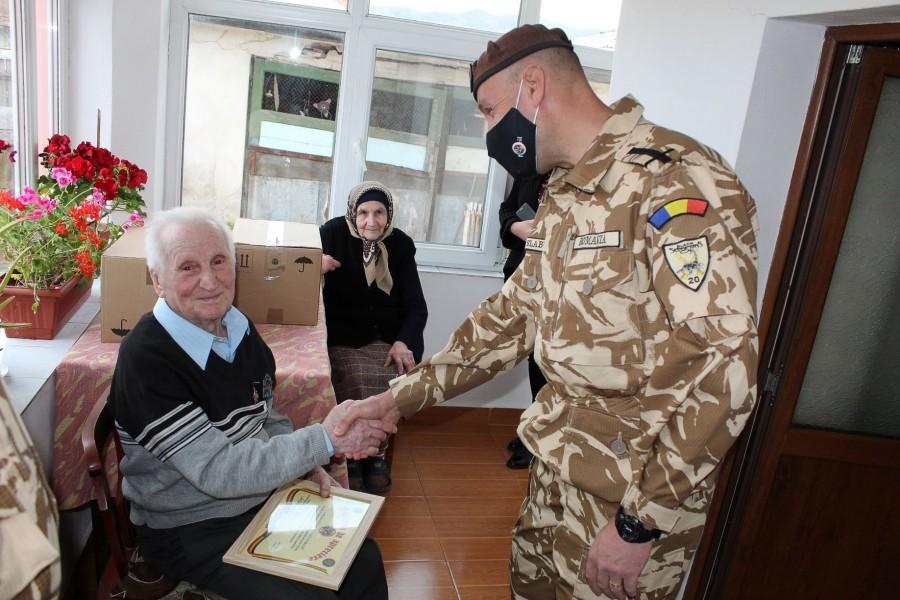 """Veteranul de război Aurelian Mateescu, sărbătorit la 100 de ani. """"O viață trăită permanent în ascultare de Dumnezeu"""""""