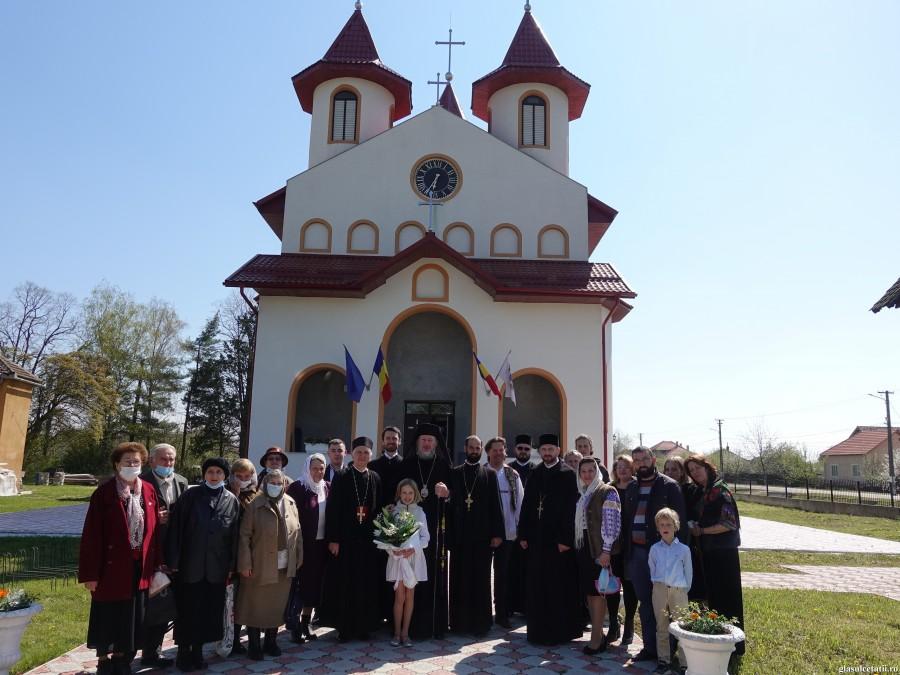 """ÎN IMAGINI – Primul hram al bisericii """"Sfinții Ilie Iorest și Sava Brancovici"""" din Cetatea Ineului"""