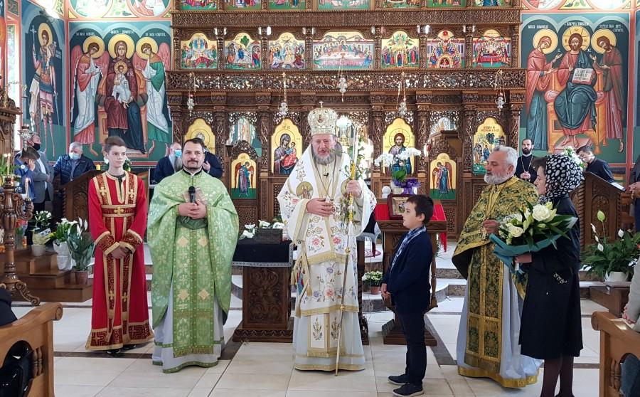 """(FOTO) Duminica Floriilor. Parohia Grădiște II, în haine de sărbătoare la hramul bisericii """"Intrarea Domnului în Ierusalim"""""""