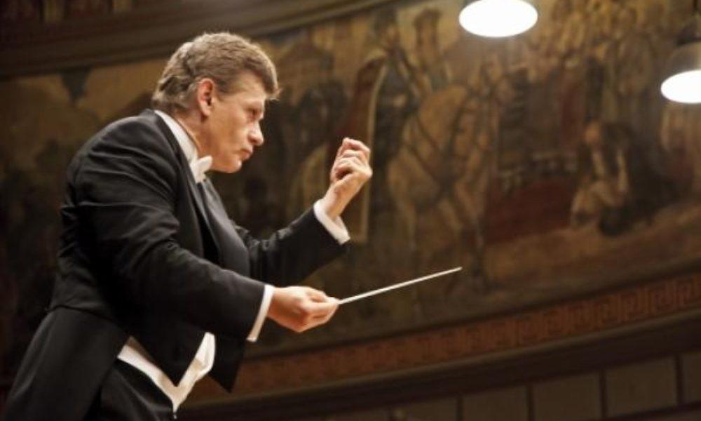 """Dirijorul Christian Badea revine, în Vinerea Mare, cu un program integral Mozart. """"Această muzică  este cel mai bun medicament pentru suflet"""""""