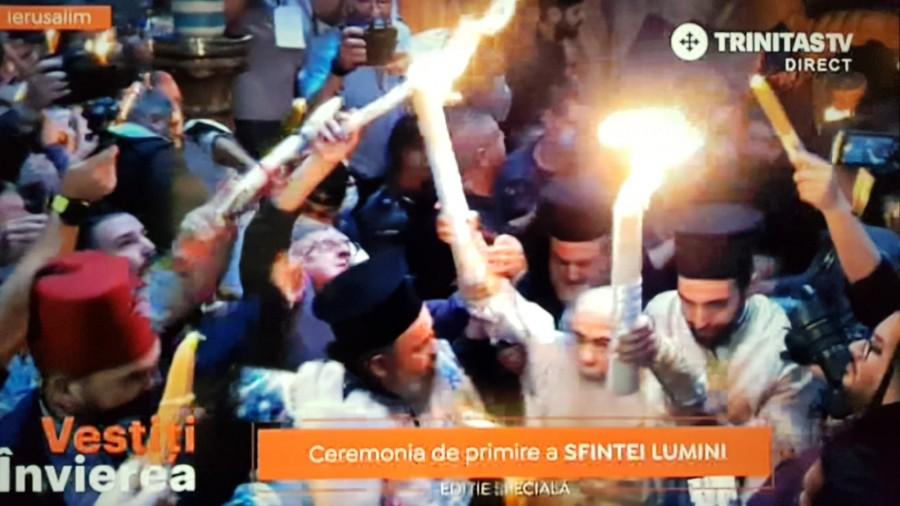 Sfânta Lumină a coborât la Ierusalim! Hristos luminează tuturor!