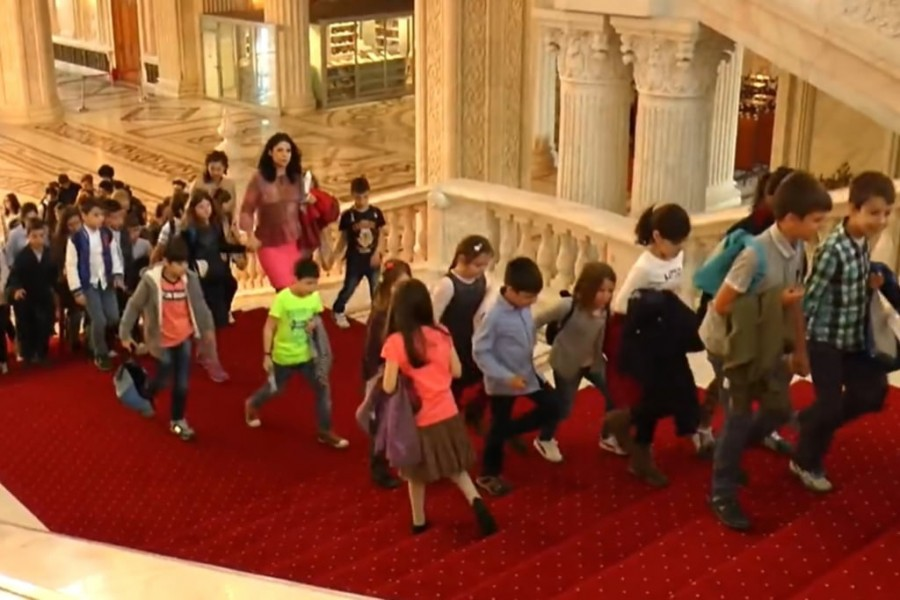"""Copiii vor fi """"senatori"""" pentru o zi, de ziua lor, pe 1 Iunie. Eveniment organizat în grădina Camerei Superioare a Parlamentului"""
