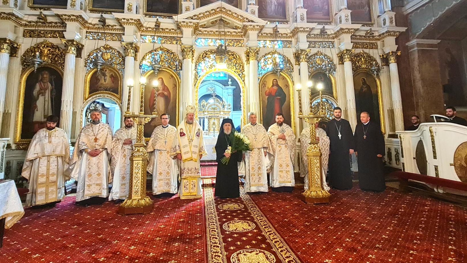 Sărbătoare în Cetate! ÎPS Timotei, sărbătorit la împlinirea a 85 de ani: Liturghie Arhierească, Te Deum și lansare de carte