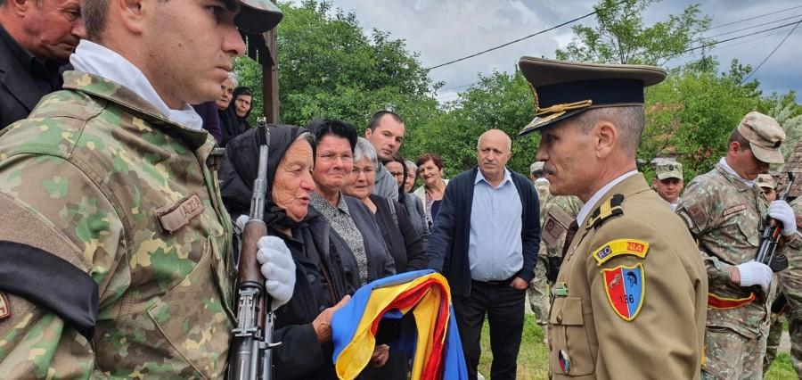 Eroul Pamfilie Botezan, ucis în Al Doilea Război Mondial, înhumat în satul natal după 77 de ani