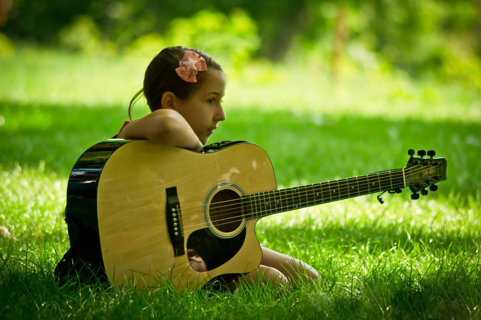 Festival naţional de muzică folk pe versuri scrise de Mihai Eminescu, organizat la Ipoteşti