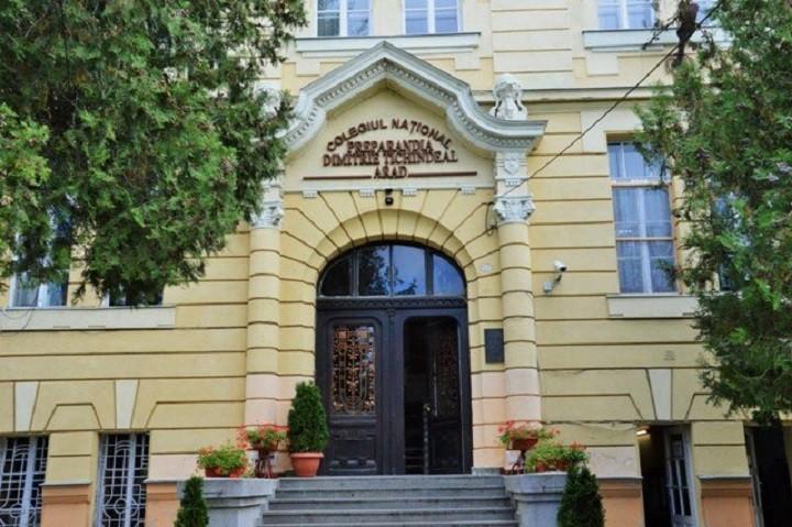 """Colegiul Național """"Preparandia – Dimitrie Țichindeal"""" din Arad, în Top 10 cele mai bune licee din România în funcție de mediile de la Bacalaureat 2021"""