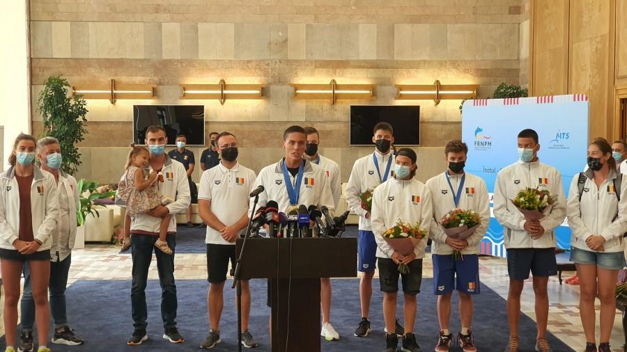 Delegația României s-a întors acasă cu 3 medalii de aur și 1 de argint de la Campionatele Europene de înot pentru juniori