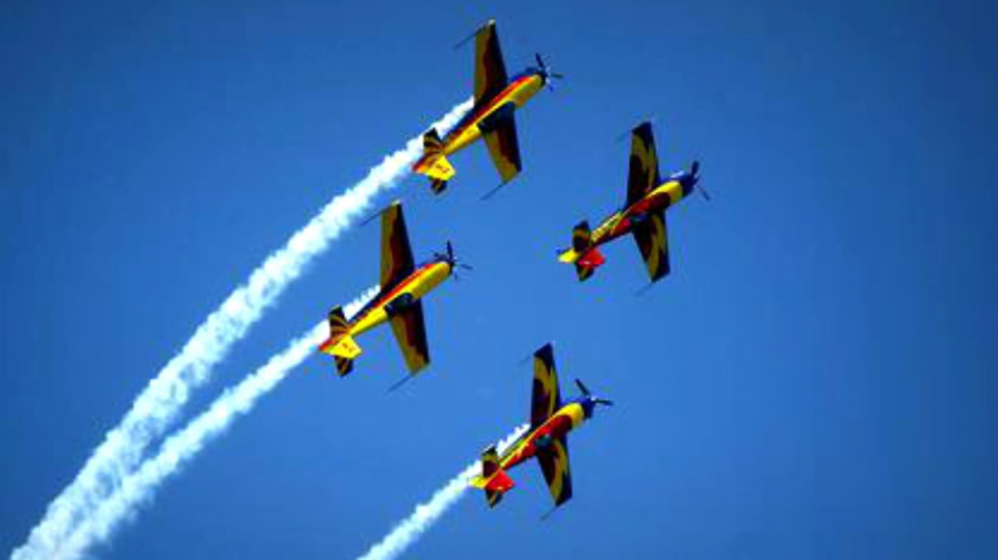 Astăzi este Ziua Aviaţiei Române şi a Forţelor Aeriene. La mulţi ani și Cer senin!