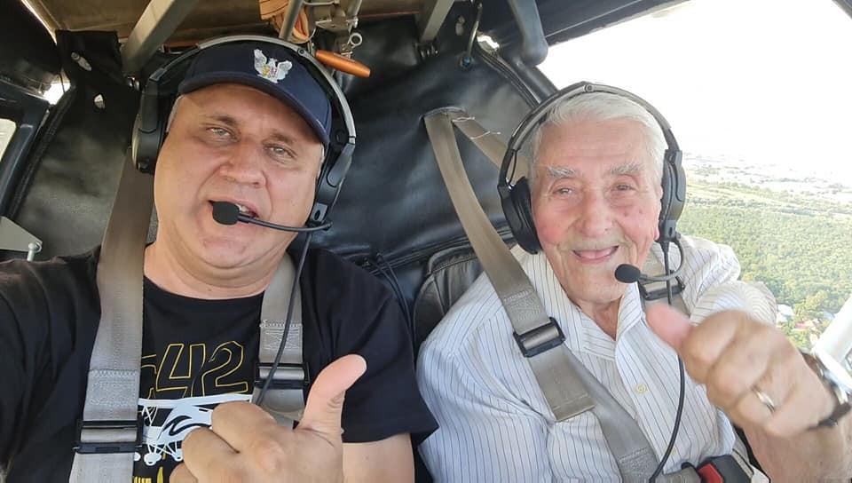 """""""Pe mine să nu mă zbori ca pe un bătrânel"""" - Aviatorul Radu Theodoru, din nou la manșa unui avion la 97 de ani"""