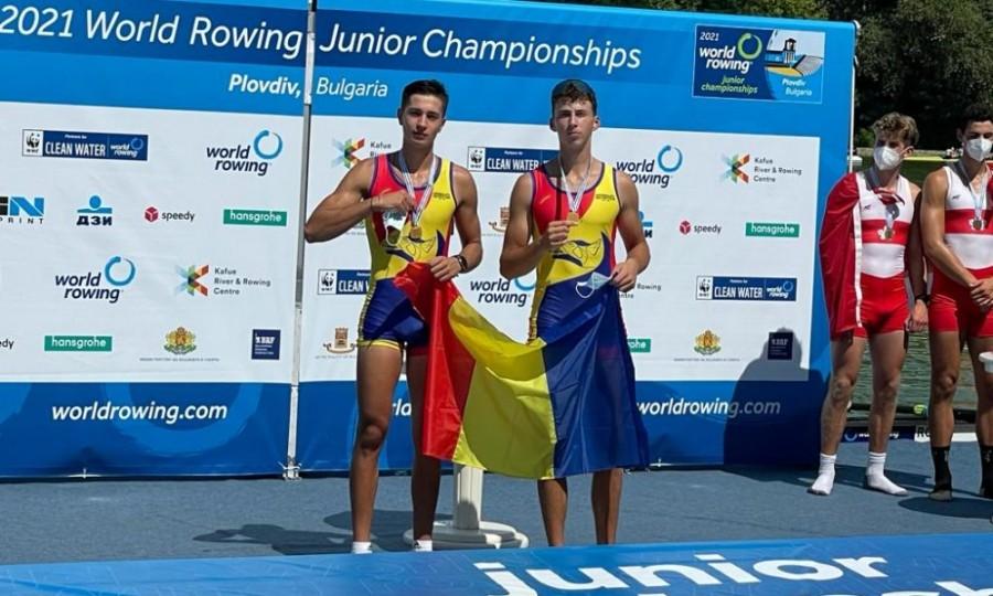 Două medalii de aur şi una de bronz pentru canotorii români la Campionatul Mondial de Juniori de la Plovdiv