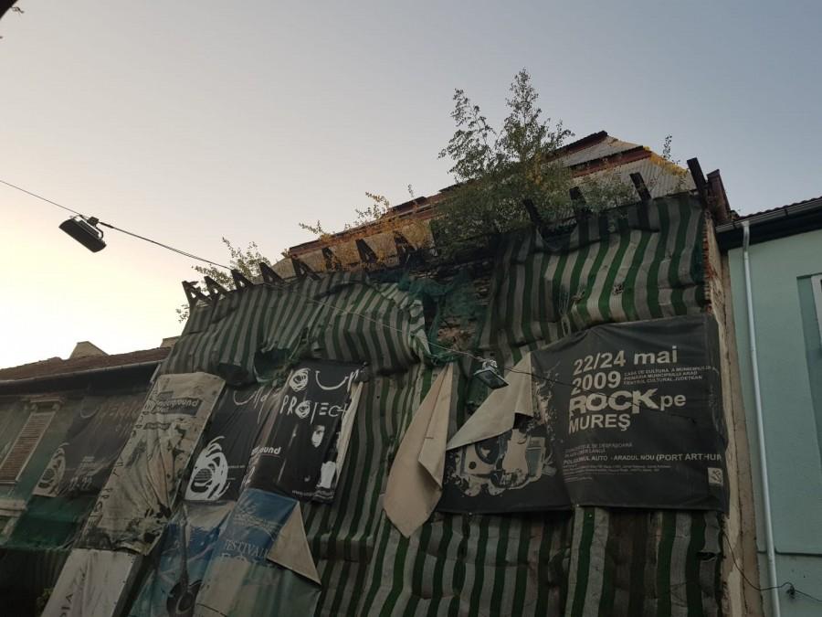 Târg de artă pentru salvarea Teatrului Vechi din Arad