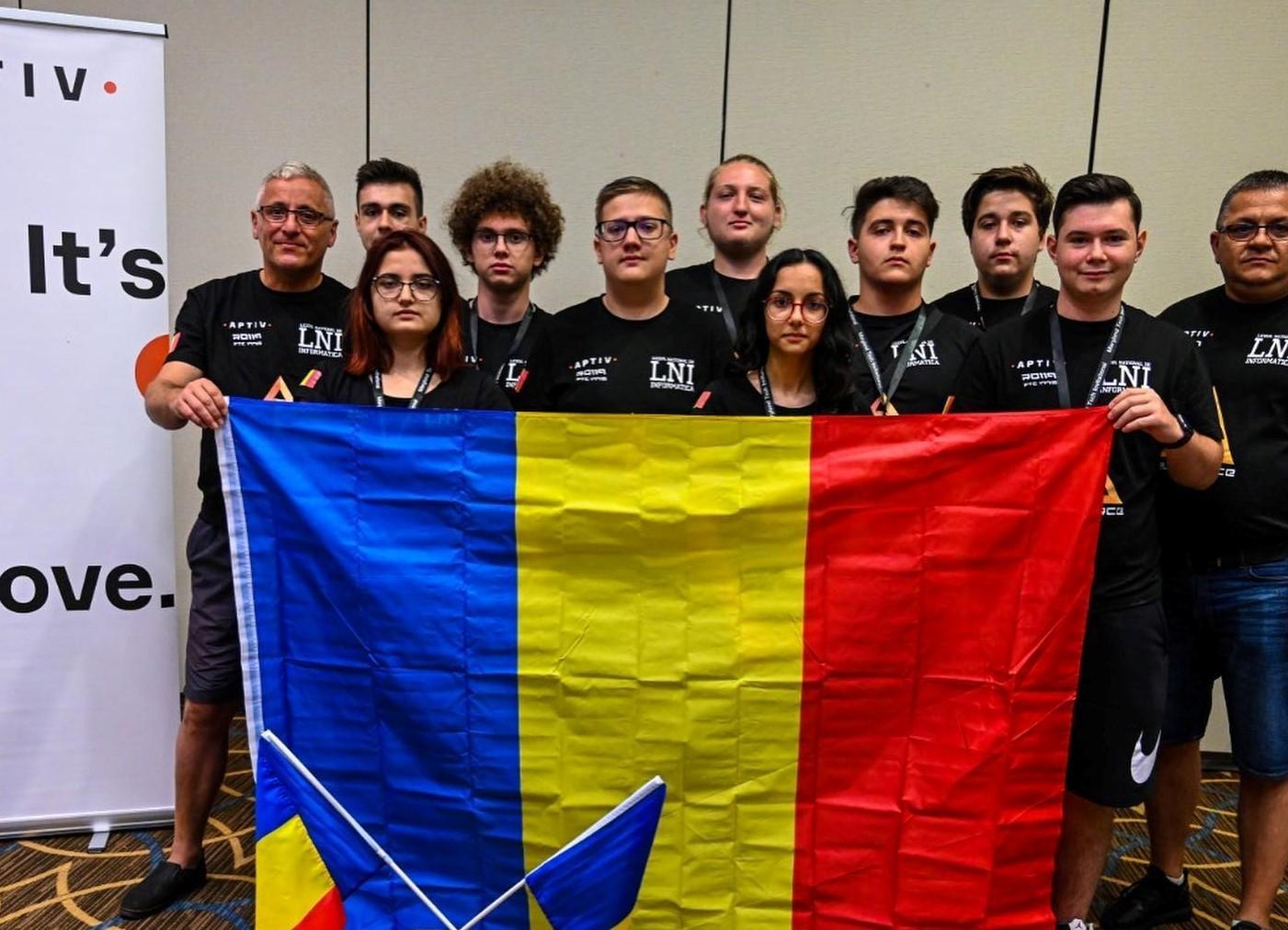 """Diploma """"Arădeni cu care ne mândrim"""" pentru echipa de robotică Delta Force"""
