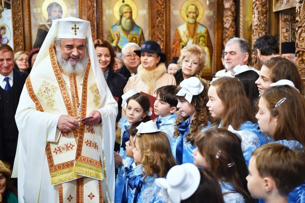 Elevii și profesorii români de pretutindeni, binecuvântați de Patriarhul Daniel la începutul noului an școlar