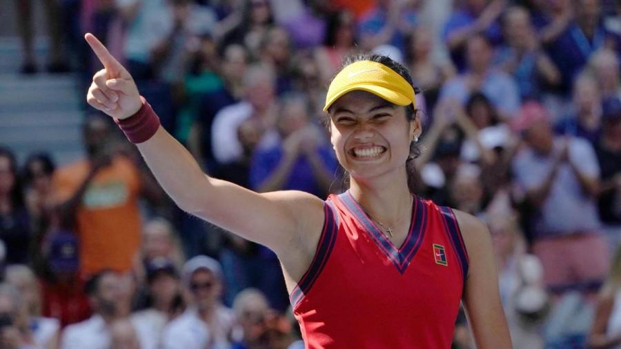 Performanță extraordinară pentru Emma Răducanu! Sportiva de 18 ani este în finala US Open!