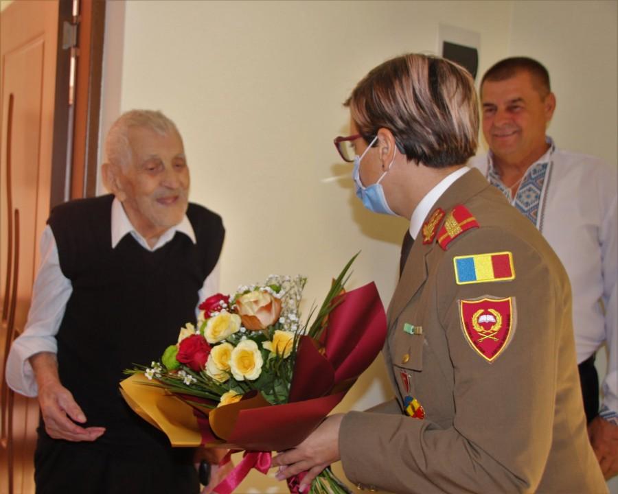 100 de ani de viață, 100 de ani de istorie! Veteranul de război Simion Sorcean, sărbătorit la Centenar
