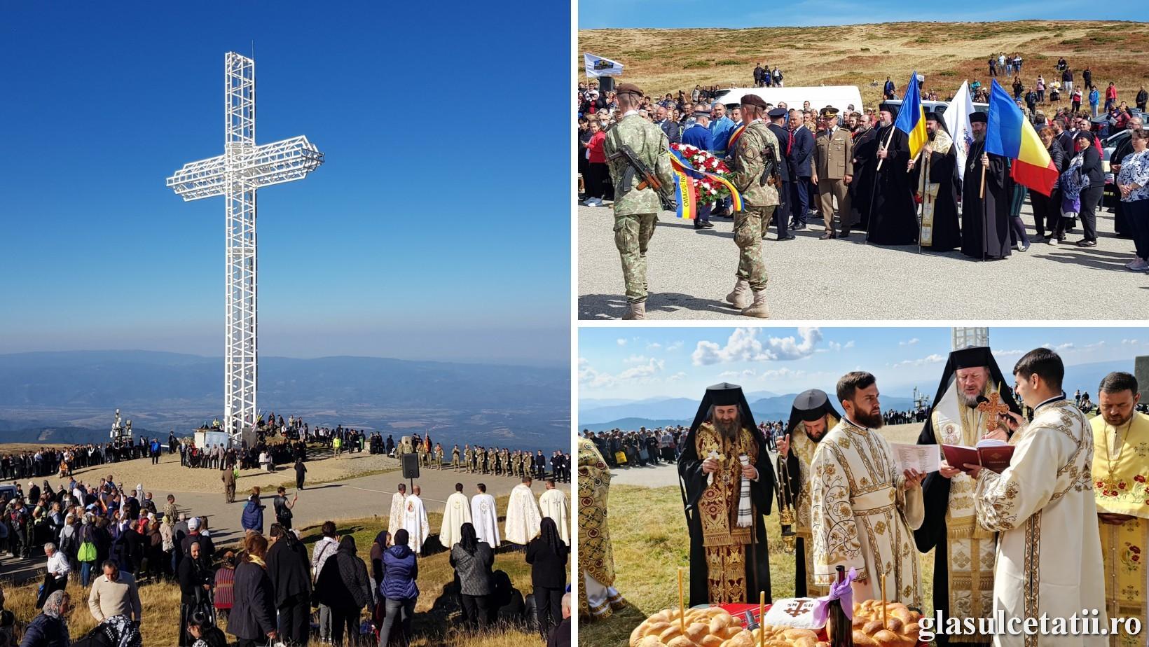 (FOTO) Pelerinaj și Liturghie Arhierească în ziua Înălțării Sfintei Cruci, la Monumentul Eroilor bănățeni de pe Muntele Mic