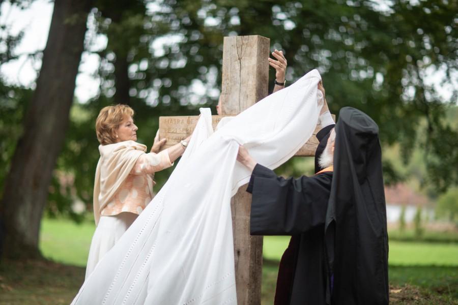 S-a pus piatra de temelie pentru prima ctitorie ortodoxă din Parcul Regal de la Săvârșin