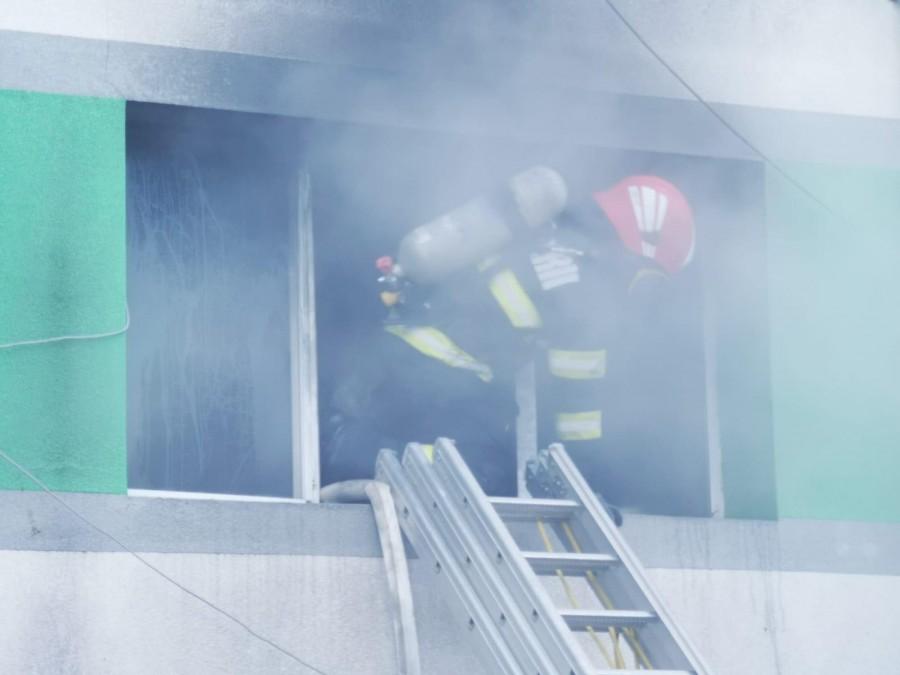 Încă un spital din România, cuprins de flăcări. Au fost activate planurile roșu și alb de intervenție