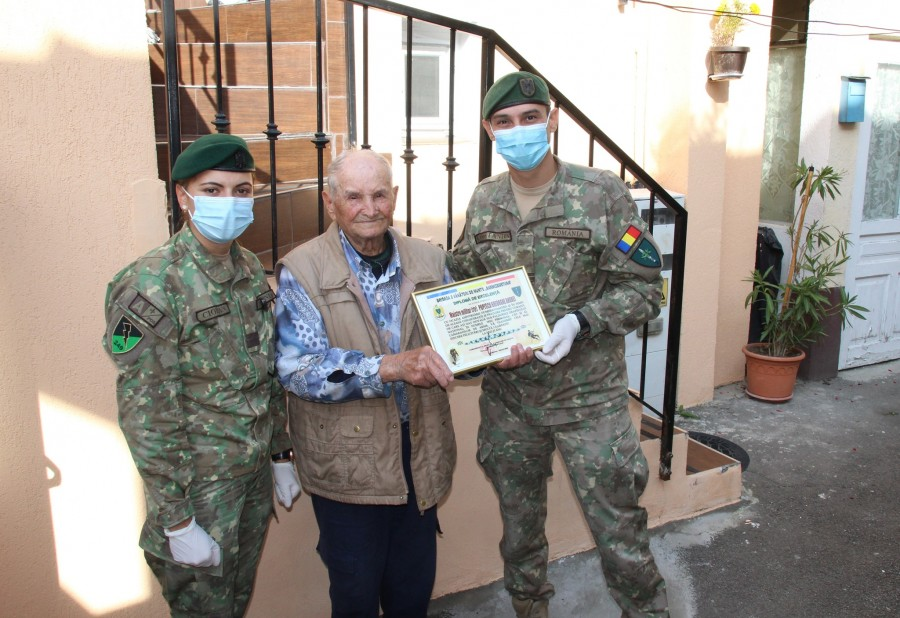 Mai aproape de centenar. Veteranul de război Andrei Gheorghe Popescu, sărbătorit la împlinirea vârstei de 99 de ani