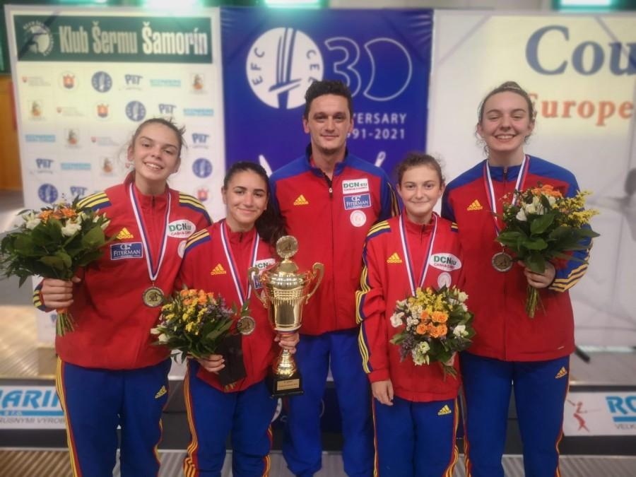 Argint în Slovacia pentru fetele de la floretă echipe